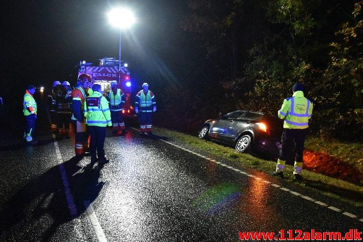 Bil havnede i grøften. Tykhøjetvej ved Vester Smidstrup. 22/10-2020. KL. 23:12.