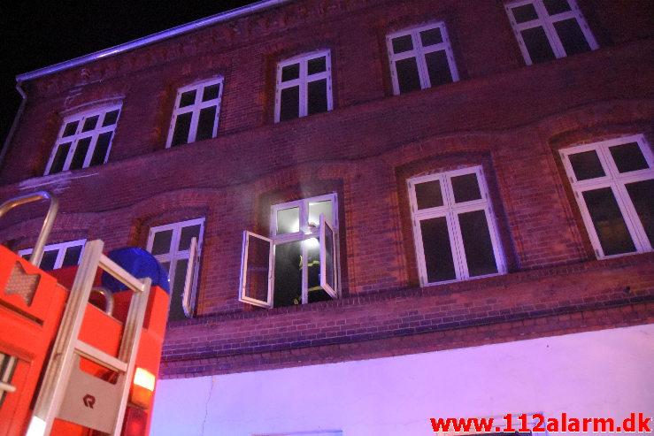 Ild i Lejlighed. Vedelsgade i Vejle. 12/01-2021. Kl. 19:27.