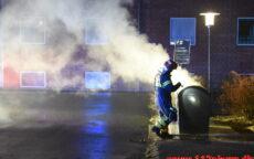 Ild i underjordisk container. Askevænget 11 i Vejle. 31/12-2020. Kl. 22:44.