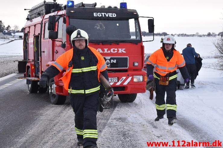 VW UP slog en kolbøtte i grøften. Ammitsbølvej ved Gravens. 05/02-2021. Kl. 14:30.