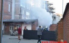 Ild i fritstående Container. Herslebsgade i Vejle. 14/04-2021. Kl. 18:37.