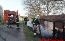Brand i udhus. Kringelhusvej ved Holtum. 27/04-2021. Kl. 19:17.