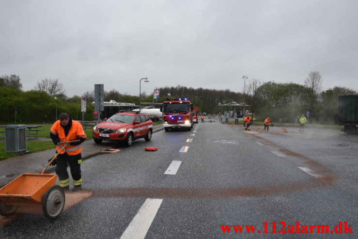 Større Benzin udslip. Rasteplads S E45 ved Vejle
