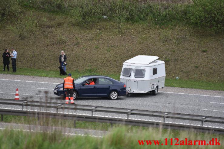 Væltet campingvogn. Motorvejen E45 i ved Vejle. 13/05-2021. Kl. 14:28.
