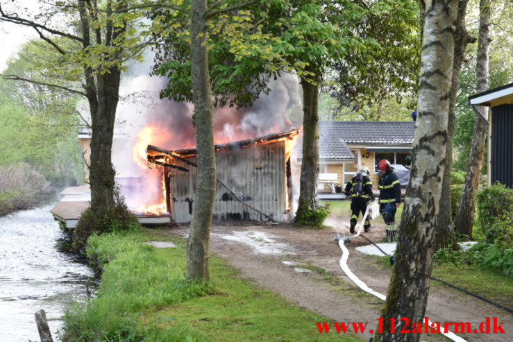 Brand i Kolonihavehus. Engvasen i Vejle. 18/05-2021. KL. 06:05.