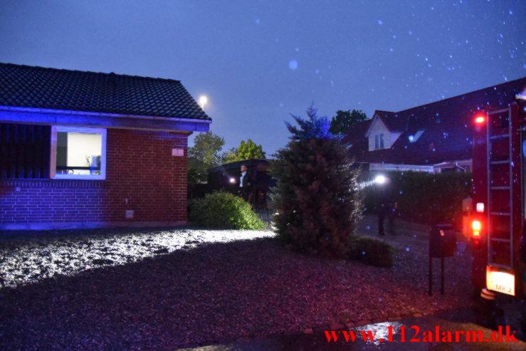 Villa ramt af et lyn. Niels Ebbesens Vej i Vinding. 03/06-2021. Kl. 03:59.