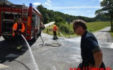 Betonkanon tabte beton på vejen. Ruevej ved Haraldskær. 14/06-2021. Kl. 10:27.