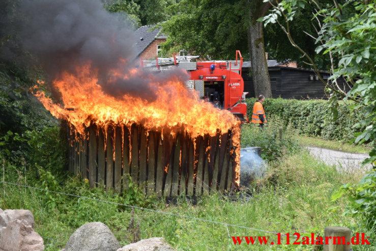 Ild i Transformatorstation. Jennumvej i Jennum. 11/07-2021. Kl. 10:14.