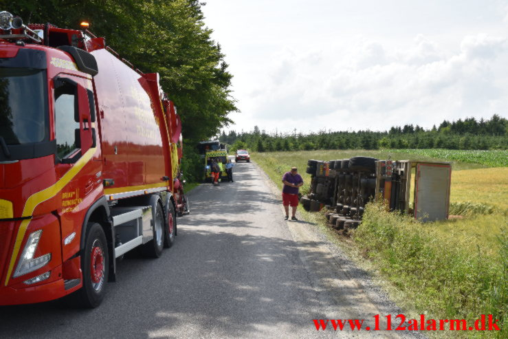 Hærvejen ikke bred nok til 2 lastbiler. Hærvejen ved Egtved. 12/07-2021. KL. 13:33.