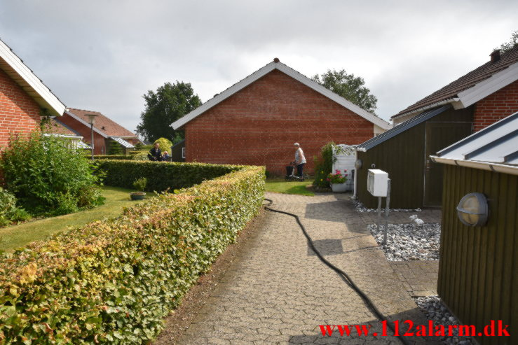 Brand i Villa. Steen Blicher Vej i Bredsten. 26/07-2021. Kl. 10:43.