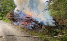 Naturbrand - Skovbrand. Baskærvej og Egtved Skovvej ved Egtved.04-04-2021. Kl. 12:39.