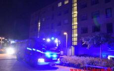 Satte ild til papir i lejligheden. Finlandsvej i Vejle. 27/08-2021. Kl. 00:03.