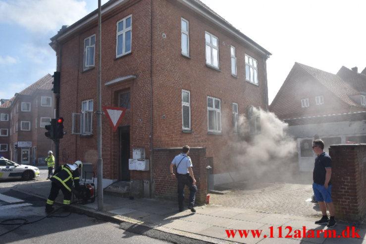 Brand i ejendom. Ørstedsgade 50 i Vejle. 02/09-2021. Kl. 14:10.